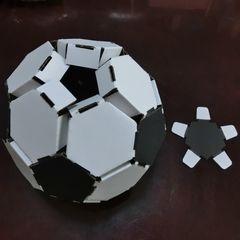 Cardbord_soccerball_18