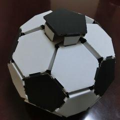Cardbord_soccerball_19