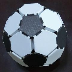 Cardbord_soccerball_20