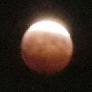 Eclipseofthemoon201410081915