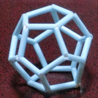 Straw_dodecahedron_02