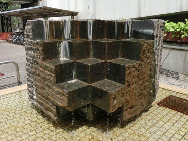 Fountain_sculpture120709a