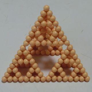 Pascalspyramid2