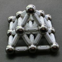 Supermag pyramid
